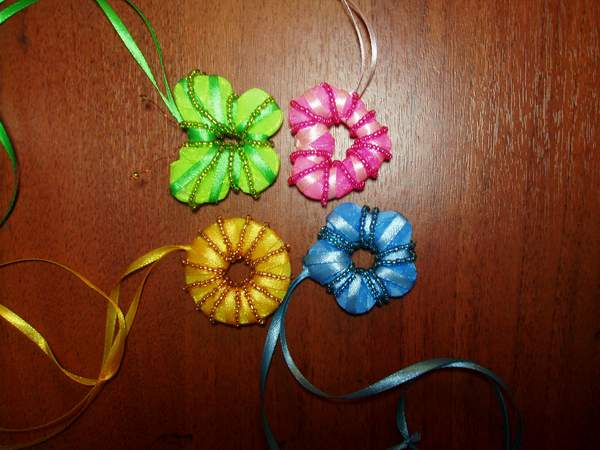 Плетение из ленточек схемы - Делаем фенечки своими руками.