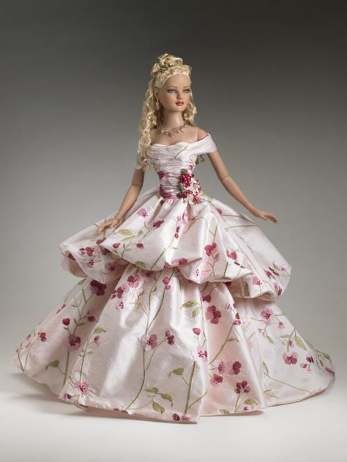 Описание: ru - Как сшить кукле Барби пышное платье.