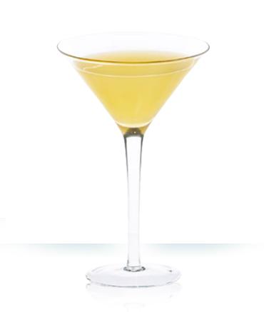 Рецепт простого коктейля Камикадзе с ликером Куантро.