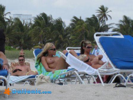 Фото девушки на пляже в турции