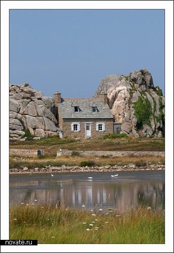 Необычные дома мира 38057782_VTISNUTUYY_DOM