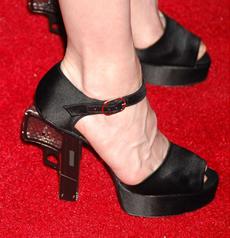Сумасшедшие туфли Мадонна