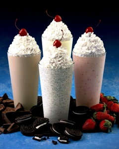 Молочные коктейли.  Коктейль молочный с мороженым.  2.