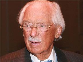В марте прошлого года Михалкову-старшему исполнилось 95 лет