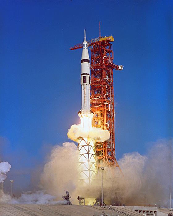 Первый пуск твердотопливной ракеты рт