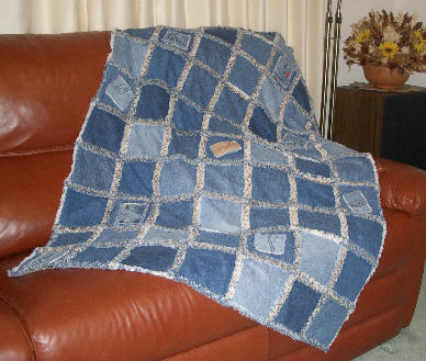 A Passionate Quilter: The Pattern continuesDenim Rag Quilt