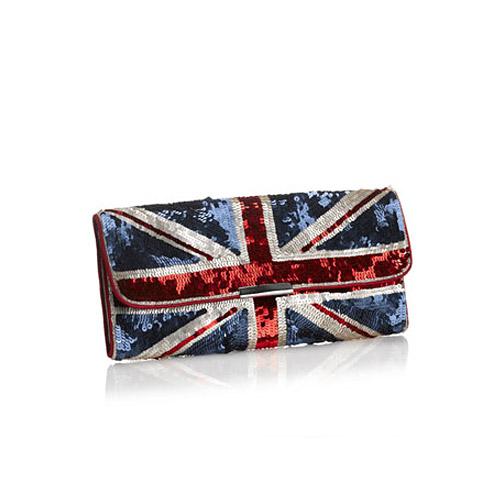 и такую сумочку. алис,сделай мне сумку-клатч с британским флагом.