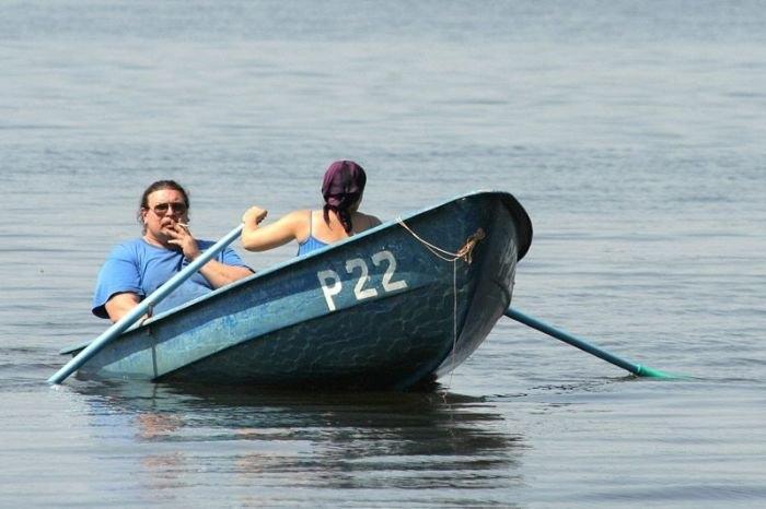 четыре весла у лодки