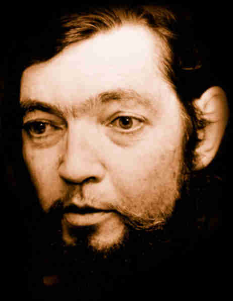 julio cortazar essay The continuity of parks by julio cortázar he had begun to read the novel a few days before he had put it aside because of some urgent business, opened it again on his way back to the estate by train he allowed himself.