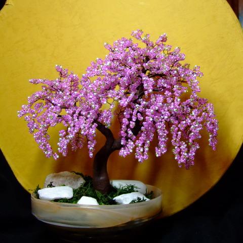 Дерево из бисера своими руками Делается такое дерево из бисера своими.