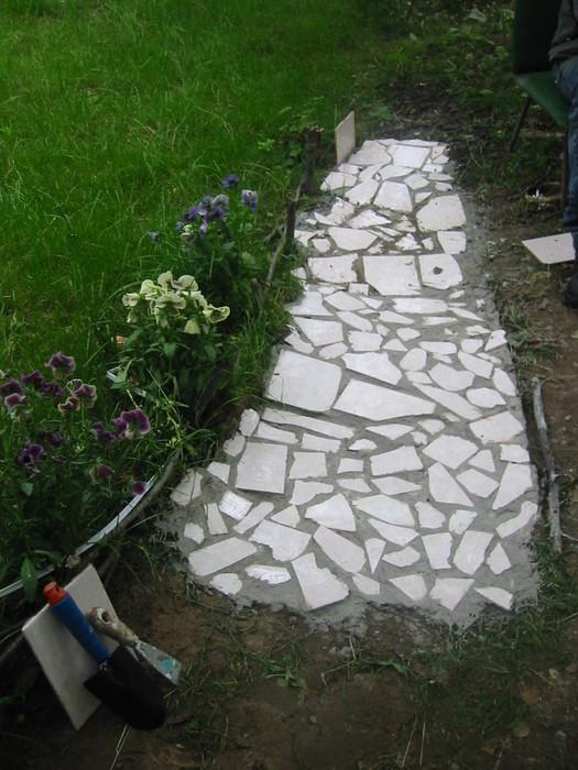 Как сделать дорожку из остатков плитки