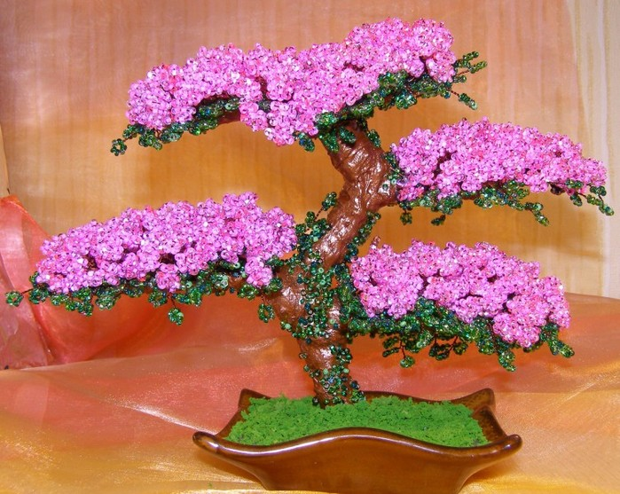 Цветы и деревья из бисера - прекрасное украшение дома, они будут.