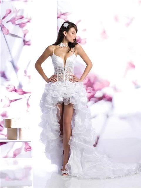 Свадебные короткие платья, фотокаталог 2011 года от To be Bride (Быть...
