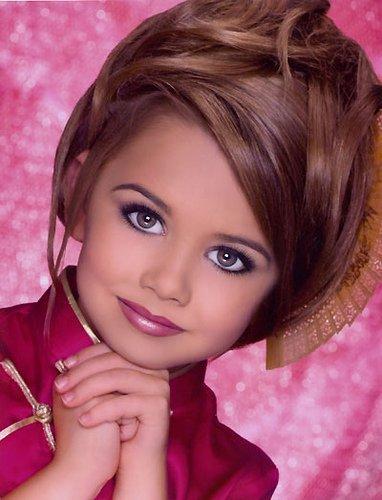 Самые красивые макияжи для детей