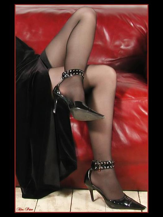 изготовлении спортивного красивые женские ножки на плечах мужика воротниковой области шее