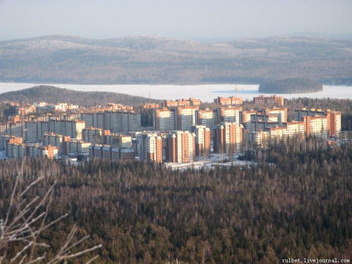 На берегу озера Таватуй находится прекрасный город Новоуральск! Это мой го