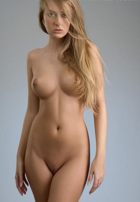 голые лобки девушек фото