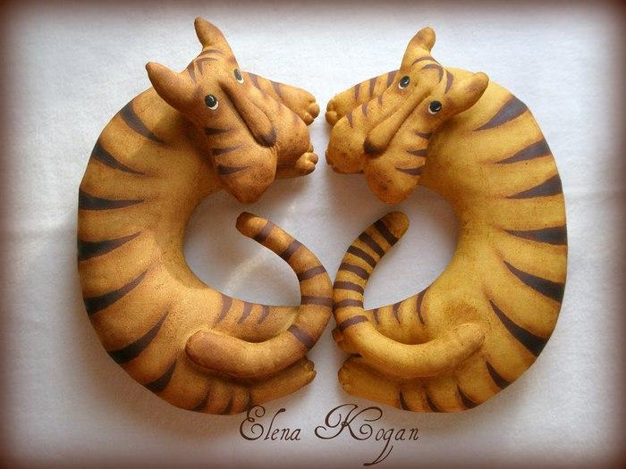 Тигрики от которых я просто балдею!  А вот и выкройка тигра.