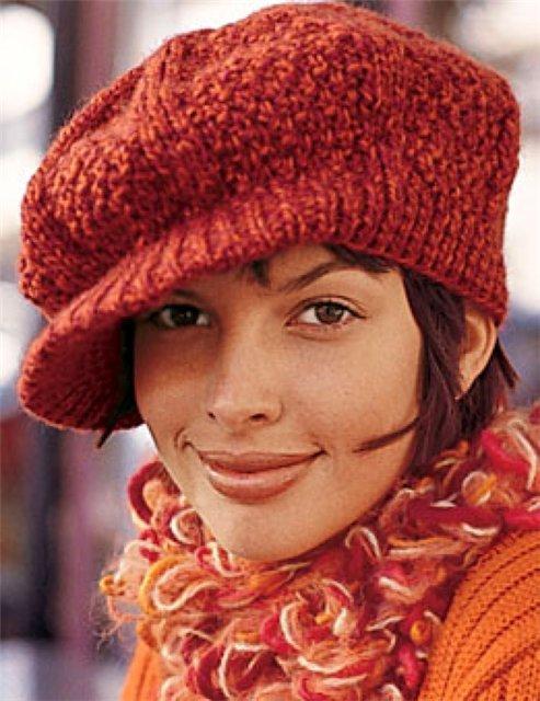 Вязаная женская кепка