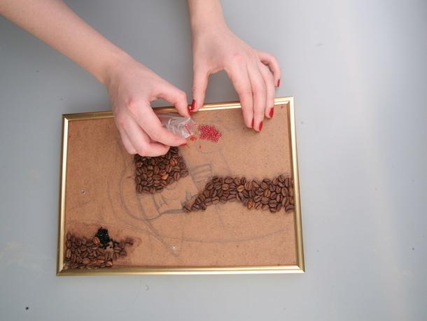 Картины из бисера и клея своими руками