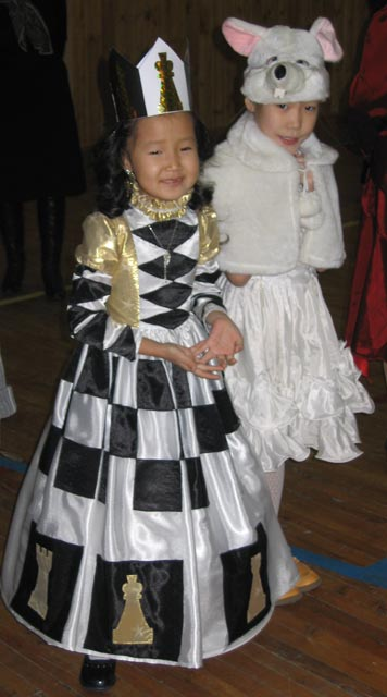Новогодний костюм шахматная королева своими руками