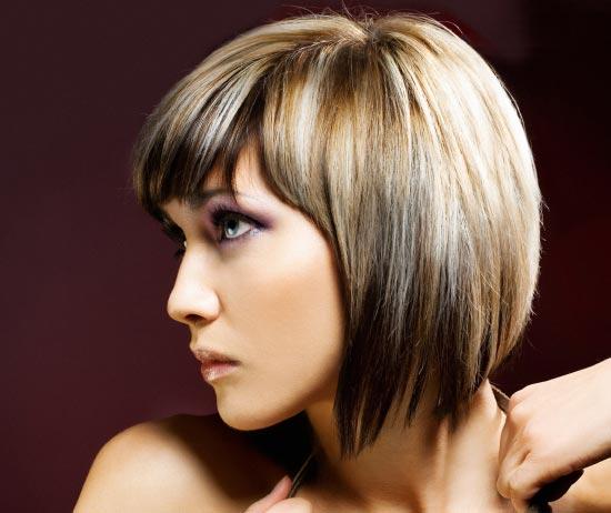 При таком окрашивании корни волос сохраняют свой натуральный (темный) цвет, в том...  Омбре-окрашивание. это метод...