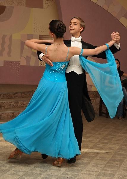 Бальные танцы стали