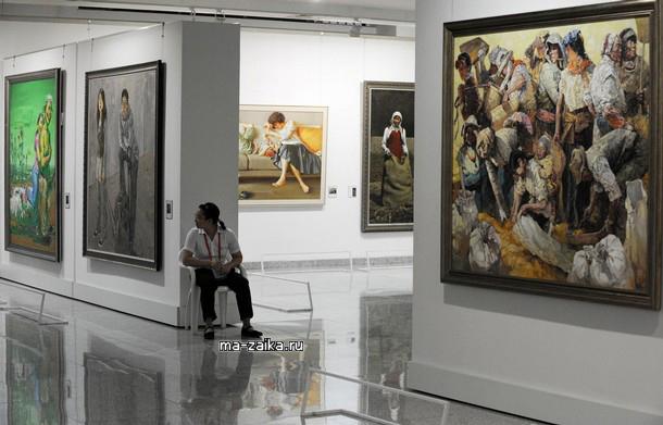 Hubai museum of Art, China. Одиннадцатая национальная выставка искусств в уханьском художествееном музее живописи.