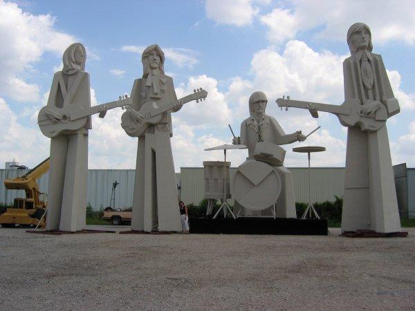 памятник битлз в хьюстоне