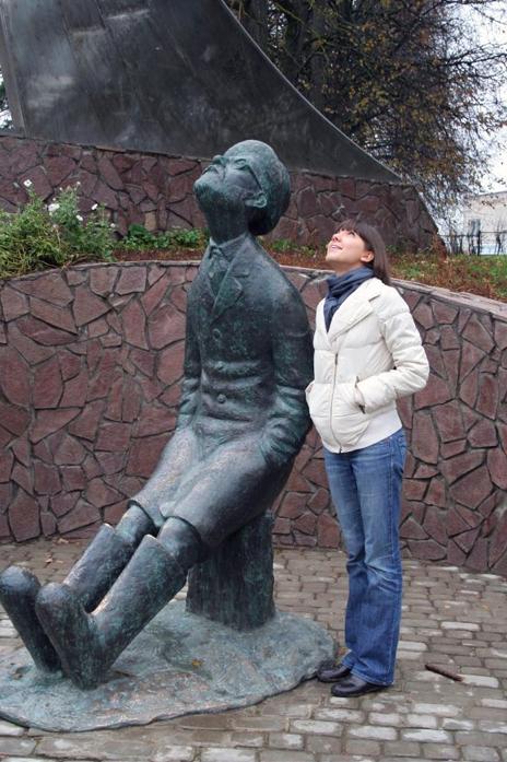 Памятник Циолковскому в Боровске. Фото: shiny-4u.livejournal.com