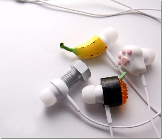 смешные наушники с насадками банана, болта, малины и кошачьих лапок