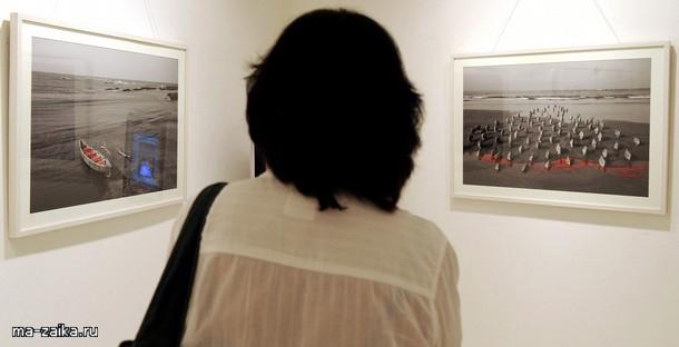Арт-выставка Фила Hazlewood в Мумбаи, 12 ноября 2009 года.