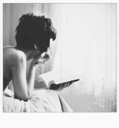 девушка с короткой стрижкой фото сзади