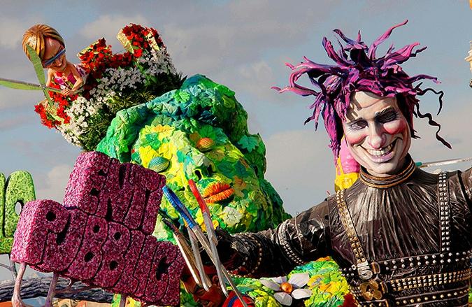 Политическая и религиозная сатира: Знаменитый итальянский карнавал в Виареджио