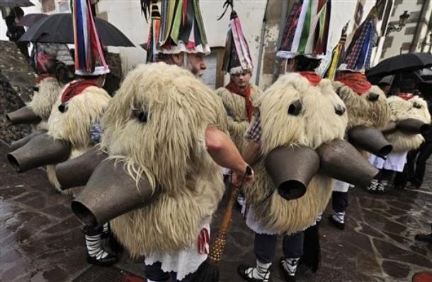 Карнавальные торжества на севере Испании, Zubieta Ituren, 1-2 февраля 2010 года.