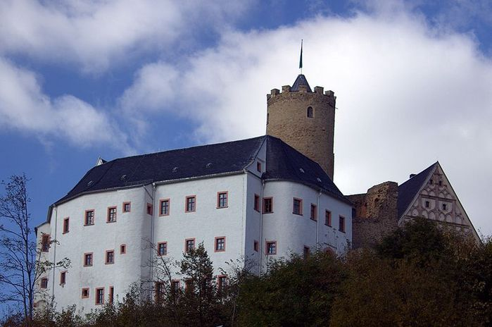 Крепость Шарфенштайн (нем. Burg Scharfenstein) 59264