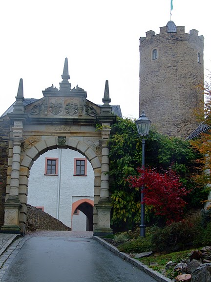 Крепость Шарфенштайн (нем. Burg Scharfenstein) 83006