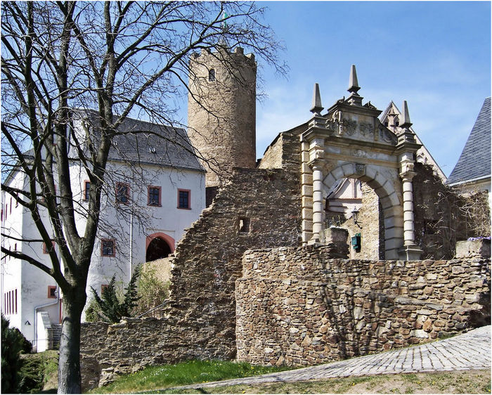 Крепость Шарфенштайн (нем. Burg Scharfenstein) 97527