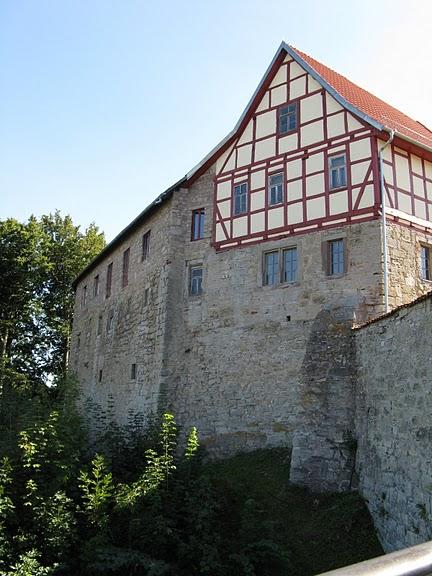 Крепость Шарфенштайн (нем. Burg Scharfenstein) 92629
