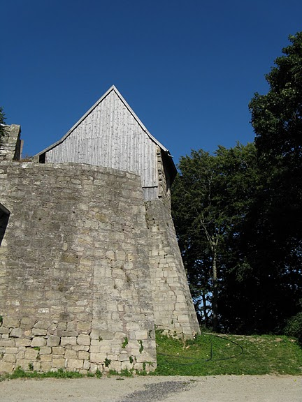 Крепость Шарфенштайн (нем. Burg Scharfenstein) 82307