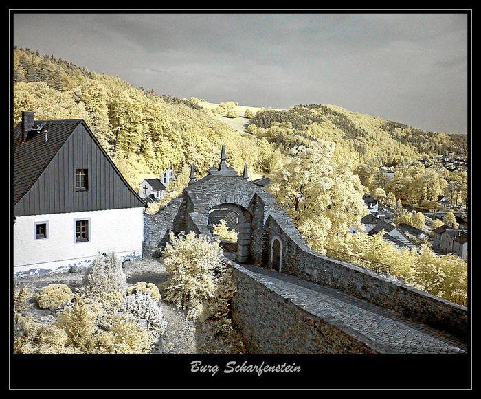 Крепость Шарфенштайн (нем. Burg Scharfenstein) 90685