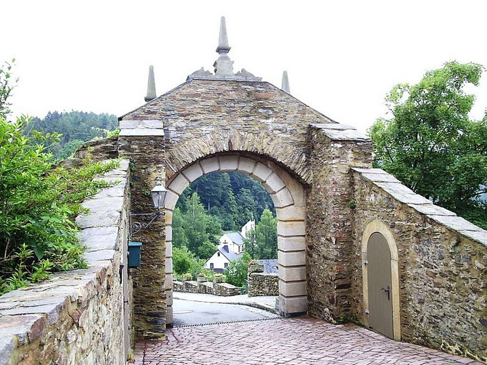 Крепость Шарфенштайн (нем. Burg Scharfenstein) 37694