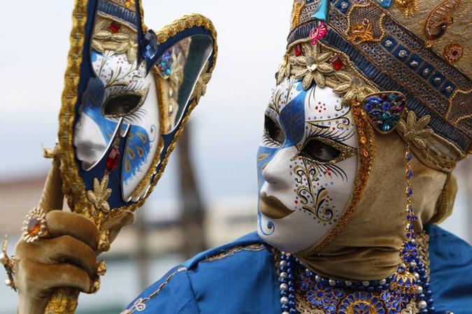 Стартовал венецианский карнавал, Венеция, 7 февраля 2010 года.