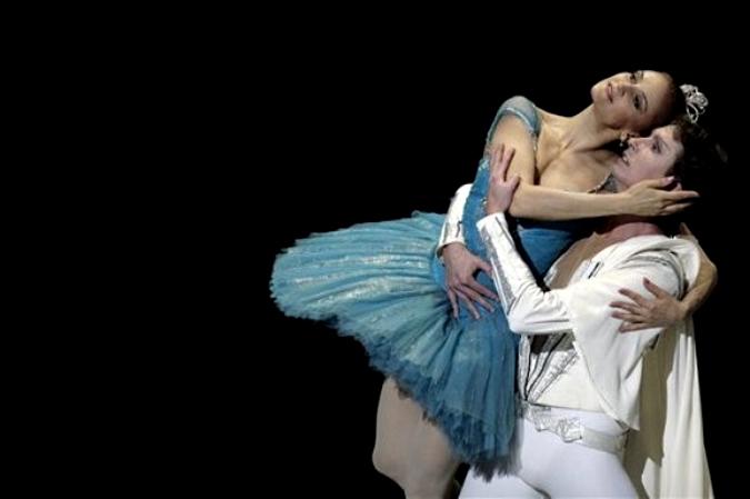 Впервые за 30 лет представители Большого театра России танцевали совместно с кубинским национальным балетом, Гавана, 13 февраля 2010 года.