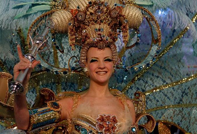 Испанский карнавал в Санта Крус де Тенерифе, 10 февраля 2010 года.