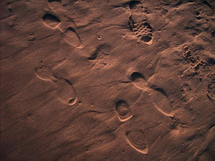 следы на песке, следы на марсе,