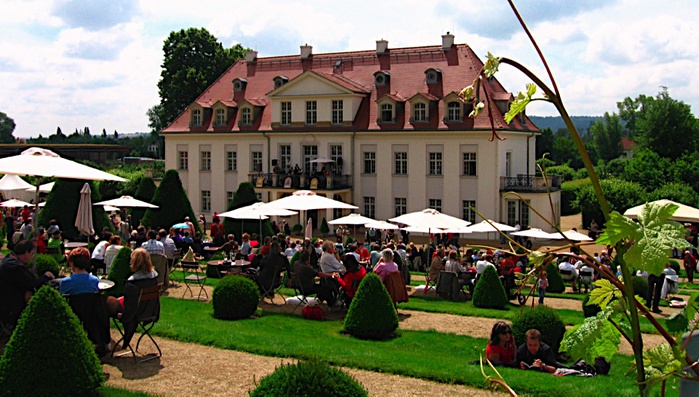 Замок Вакербарт (нем. Schloss Wackerbarth) 51786
