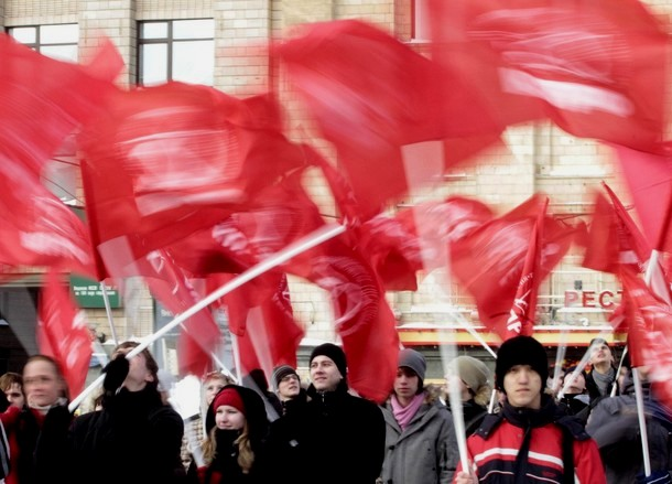 Митинг КПРФ 23 февраля 2010 года на Триумфальной площади Москвы.