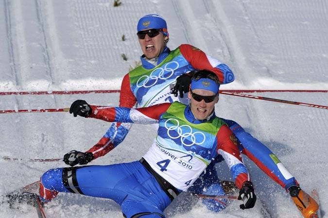 Триумф Никиты Крюкова и Александра Панжинского в лыжном спринте