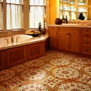 Ванна в новой плитке. Фото с сайта www.zdesplitka.ru